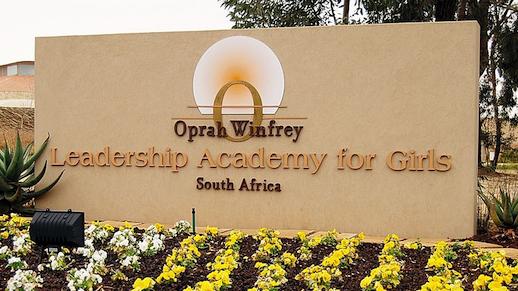 16-04 9 Oprah Lrdshp Academy